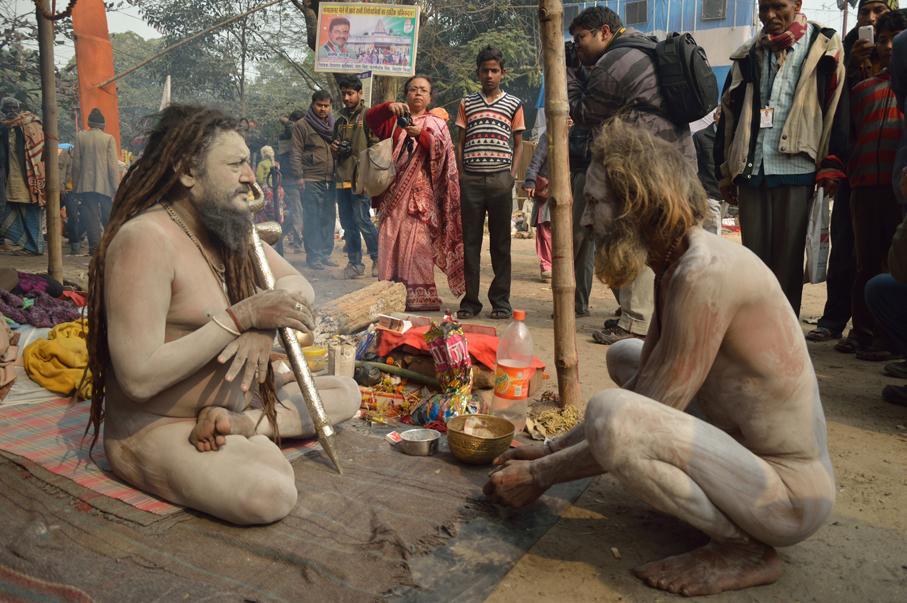 Naga_Sadhus_-_Gangasagar_Fair_Transit_Camp_-_Kolkata_2013-01-12_2821