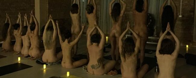 Nude yoga Melbourne: Stacey June tests naked exercise trend