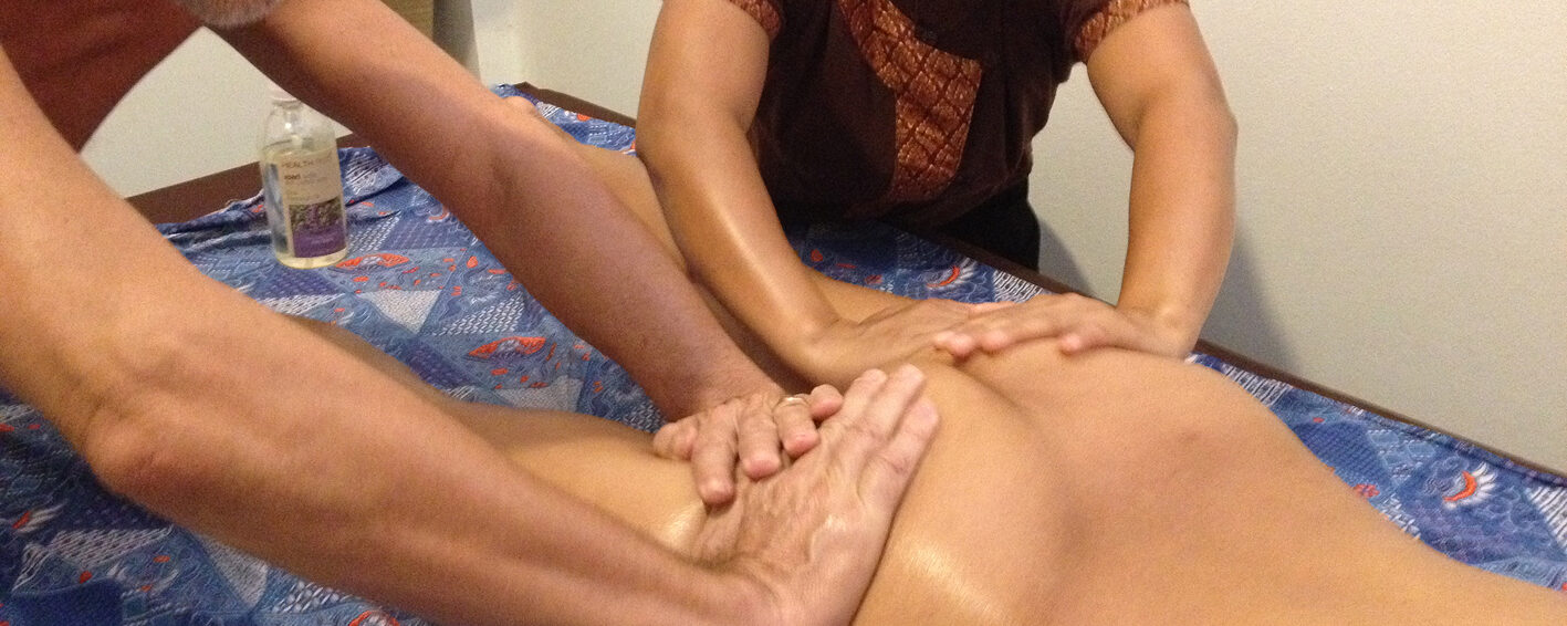 How to massage eachother – in the nude